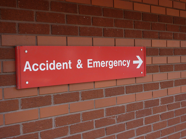 accident-emergency-sign